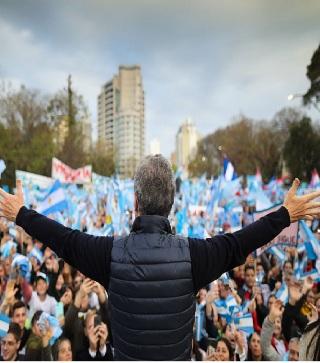Velisone sobre Macri y el PRO